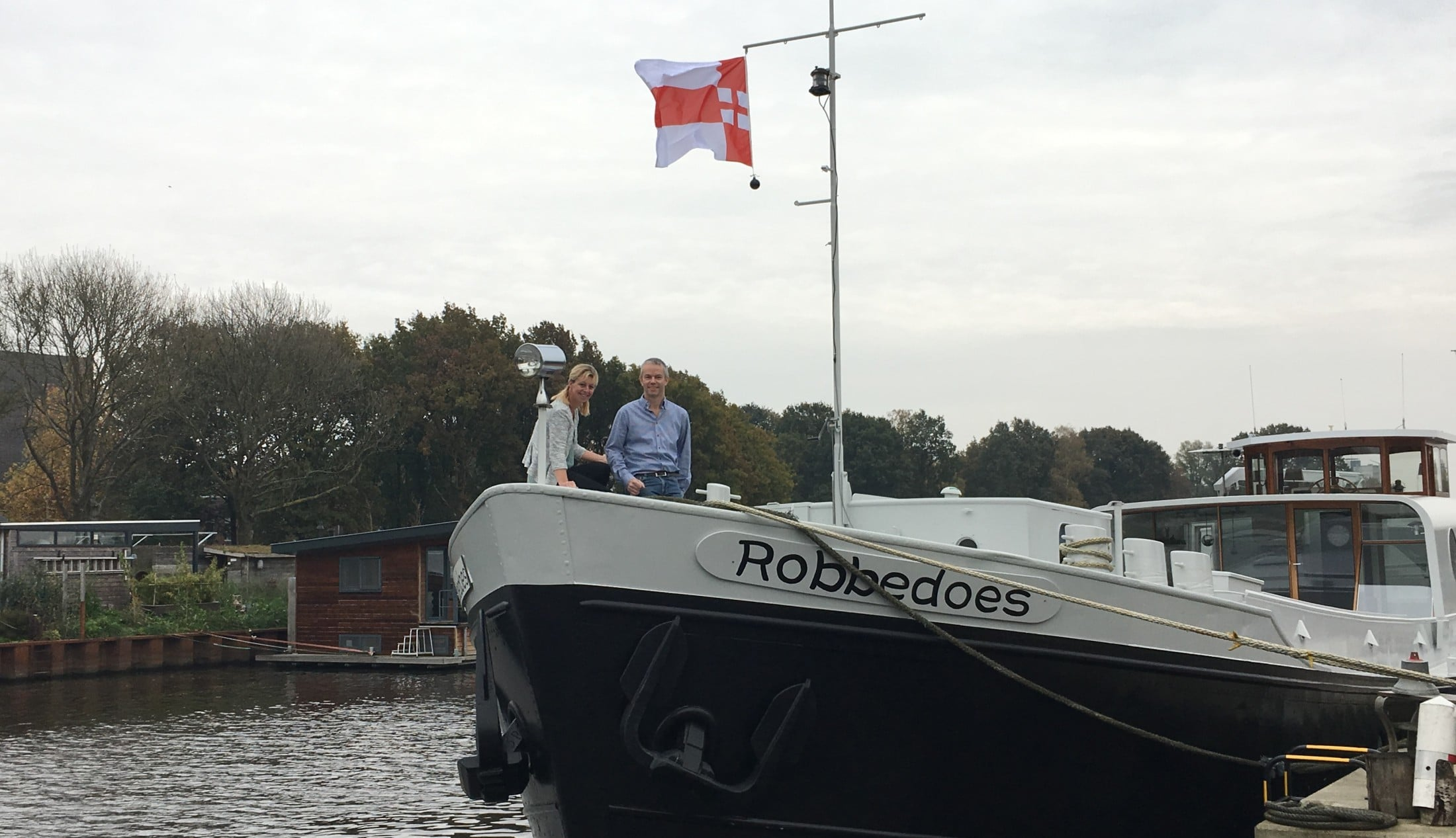 Wonen Op Woonboot : Binnenkijken bij de woonboot van wim en anneke wonen in regio